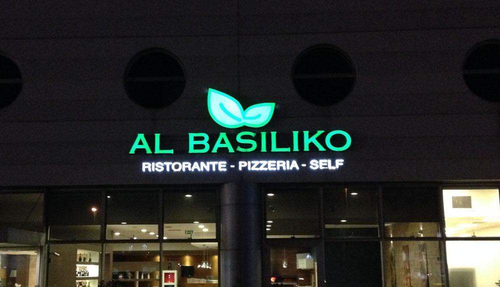 Insegna luminosa Al Basiliko