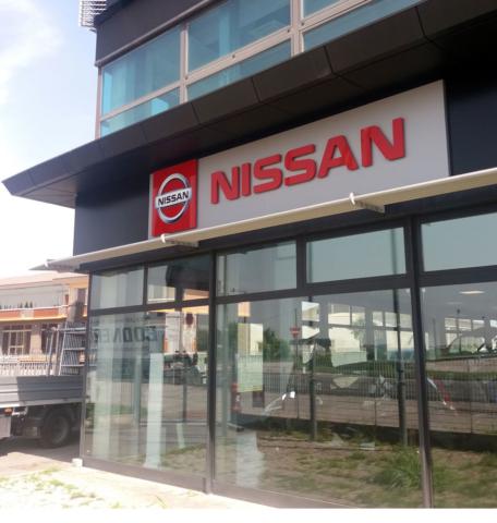 Insegna luminosa Concessionaria Nissan